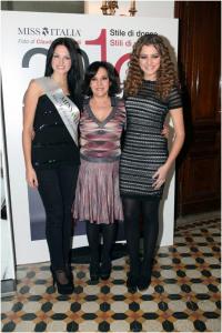 Elena Ossola Calendario.Presentato Il Calendario 2013 Di Miss Italia E Miss Fine Del