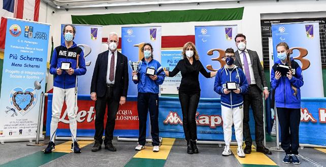 """Scherma paralimpica, Matilde Lauria vince il 2° Trofeo Martuscelli Un successo il progetto """"Più scherma meno schermi"""""""