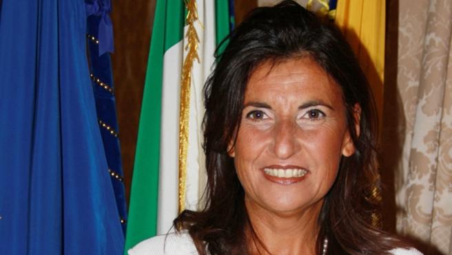 """L'assessore alla Cultura e al Turismo del Comune di Napoli """"Annamaria Palmieri"""" Presenta un Ricco Calendario di Eventi per L'estate in Città"""